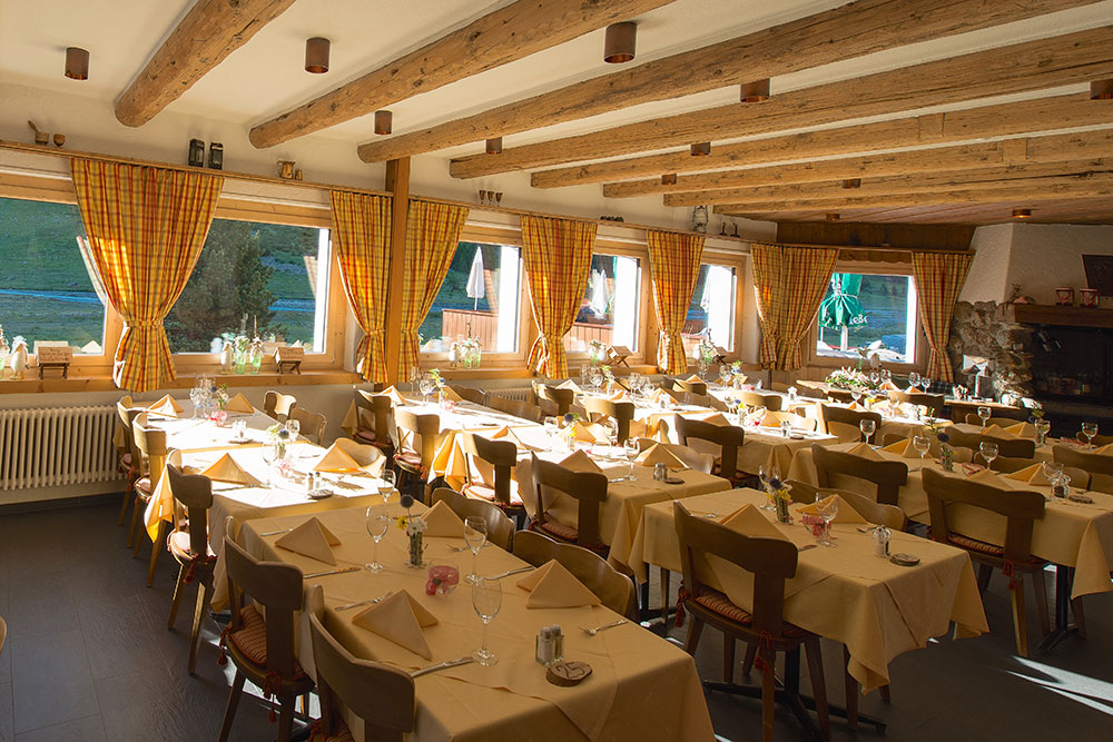 Restaurant Und Sonnenterrasse Hotel Restaurant Roseg